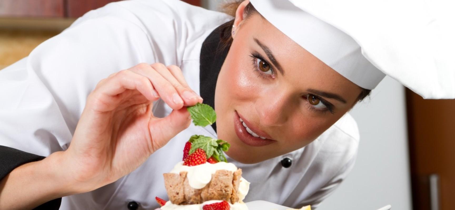 Вредные условия труда поваров: какие доплаты полагаются по закону?