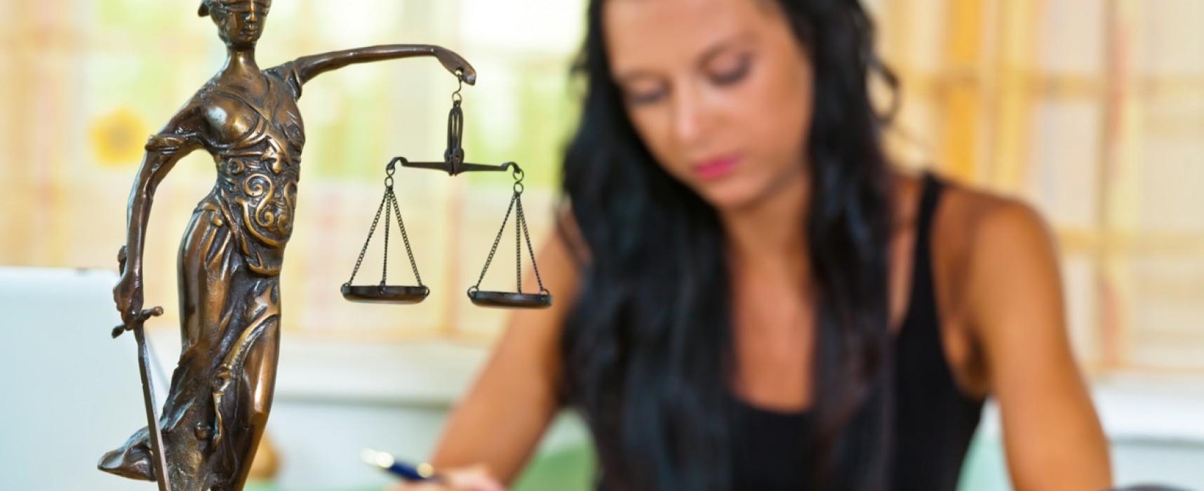 Нюансы приема на работу юриста