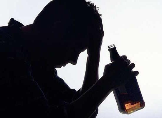 Как происходит оформление и оплата листа нетрудоспособности лицу, нуждающемуся в оказании врачебной помощи, в состоянии алкогольного опьянения